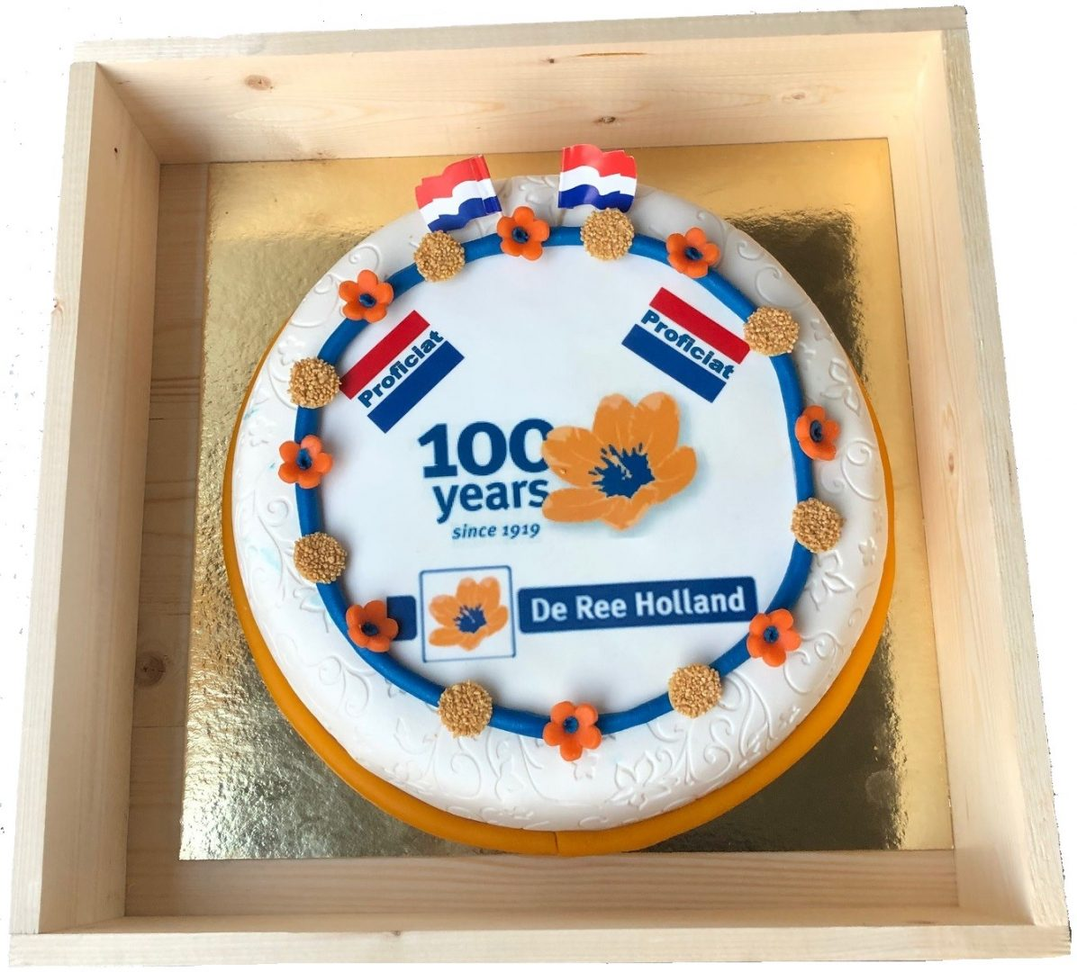 We congratulate De Ree Holland with their 100th anniversary and the Royal decoration they received!